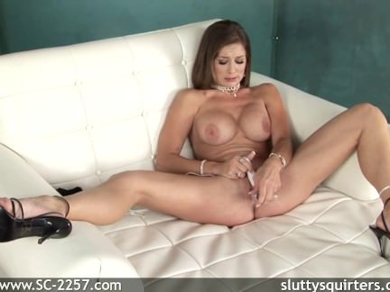 solo babe Pussy shot two what a hot rare thing solo girl