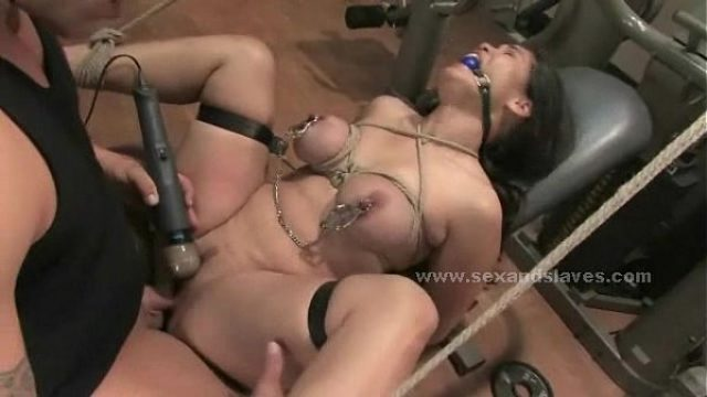 black hair yummy buxom tasty girl screwed per rough sex
