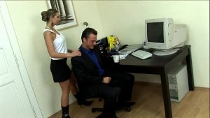 secretary interrupts her boss in his bureau straight sex