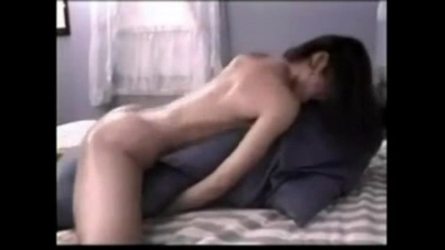 hottest pillow riding always what a sexy catc masturbation