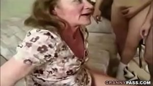 Gangbang Video granny group sex with jizz shot
