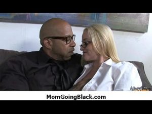 Interracial Porn aunt going black heavy black and white porn seven