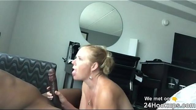 MILF Homemade riding my manager at the hotel com