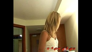 Wife Homemade triking MILF in fast action after service